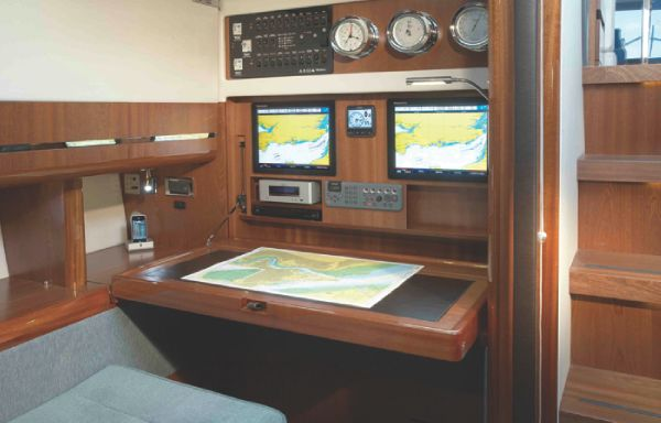 Sealine C490 Office
