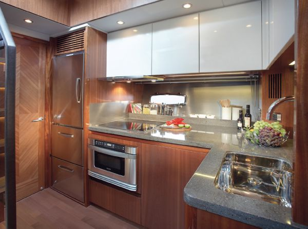 Sealine C490 Galley
