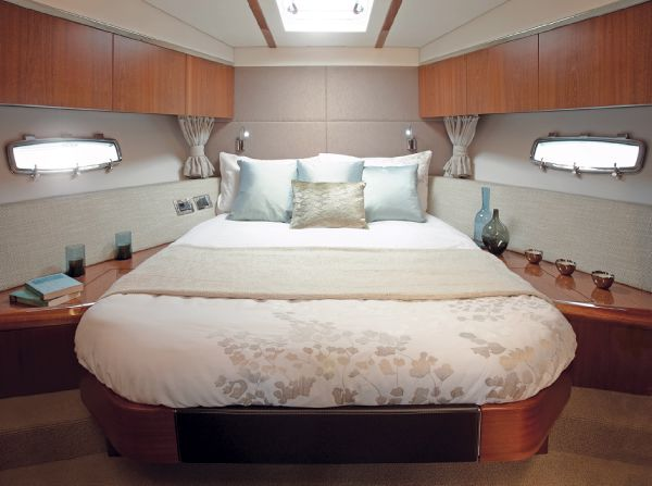 Sealine C490 Forward Cabin