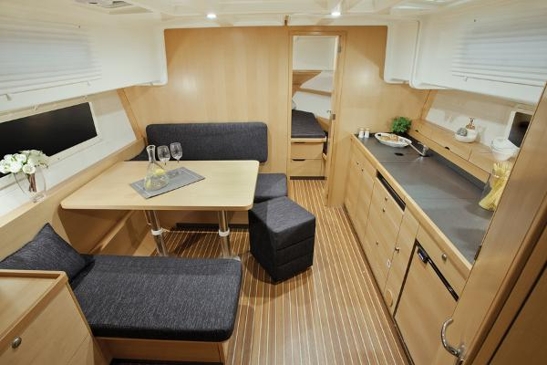 Delphia Escape 1080 Soley Interior