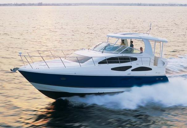 Cruisers Yachts 455 Express Motoryacht Manufacturer Provided Image