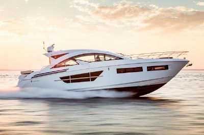 Cruisers Yachts 60 Cantius Starboard Side