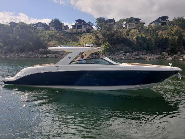 Sea Ray SLX400