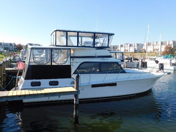 Chris-Craft 426 Catalina Motor Yacht Chris-Craft