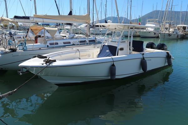 Boston Whaler Outrage 320 510