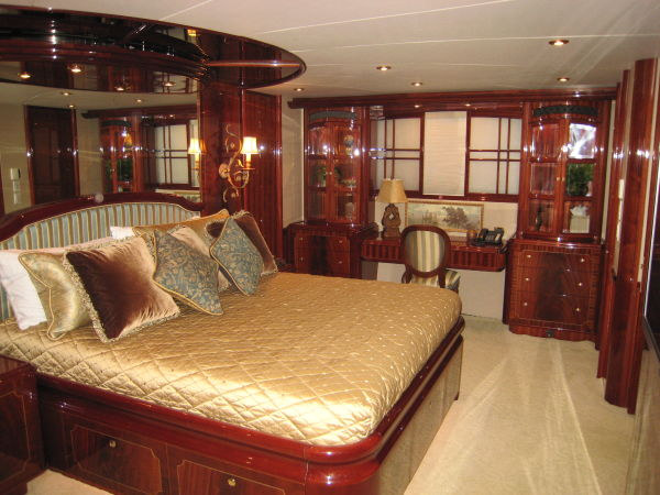 Master Stateroom Pic 2