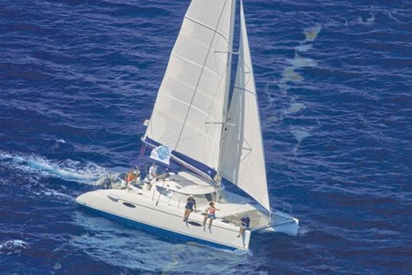Fountaine Pajot LAVEZZI 40 Sous Voiles / Under sails