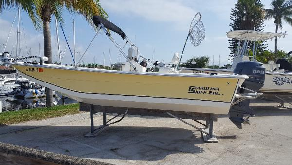 Carolina Skiff 218 DLV Beautiful Fishing Machine