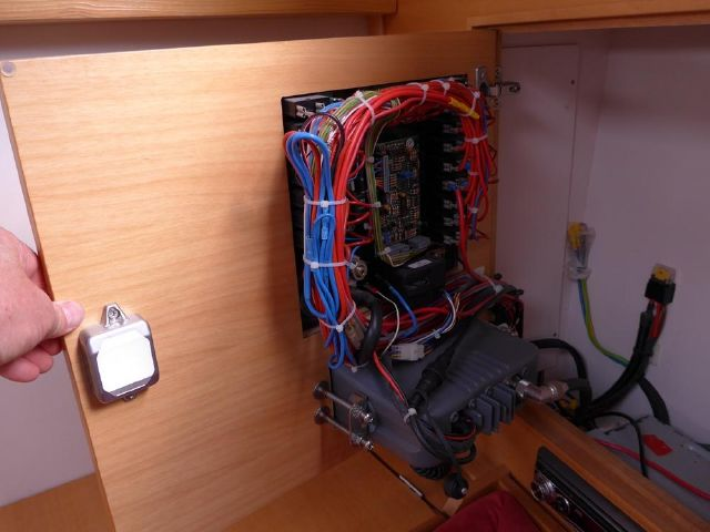 Hanse 342 switch panel wiring...impressinvely neat and easy to access