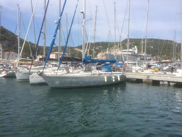 Grand Soleil 42 Grand Soleil 42 - AYC International Yacht Brokers