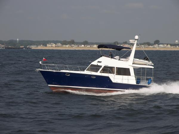 Island Pilot IP 395- Two staterooms Cruising off New Jersey shore