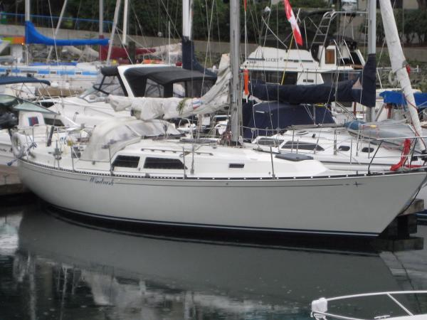 C&C 37 Performance Cruiser Starboard