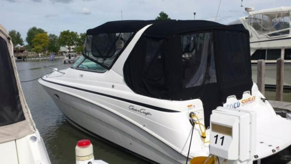 Chris-Craft 328 Express Cruiser Dockside