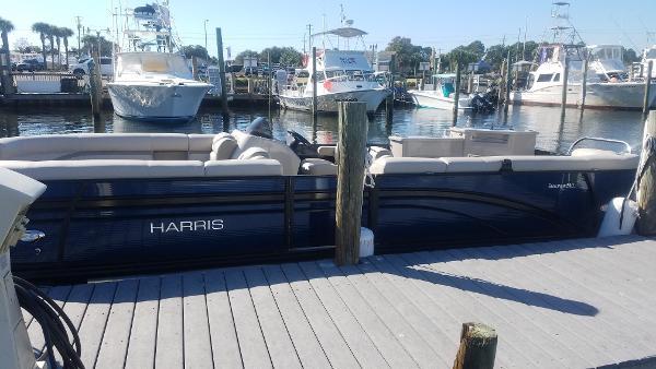 Harris Pontoons Sunliner 240