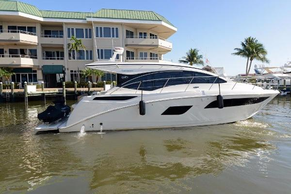 Sea Ray 40 Sundancer Profile