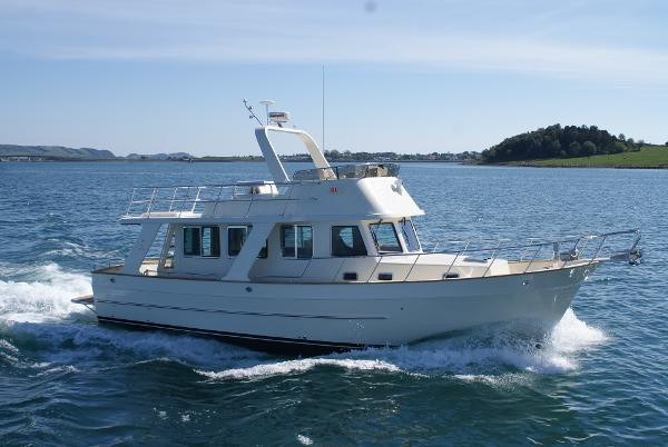 Explorer Motor Yachts 43 Sedan