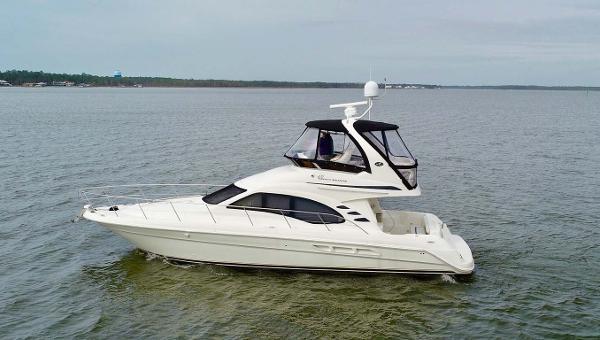 Sea Ray 420 Sedan Bridge Profile