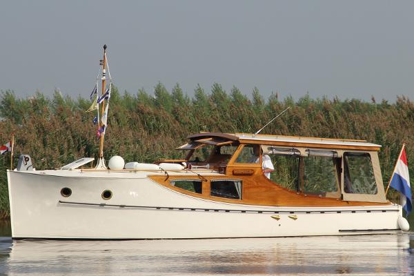 Custom Bakdekker Van Dam 10M