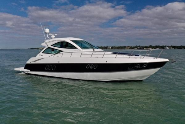 Cruisers Yachts 540 Coupe Profile