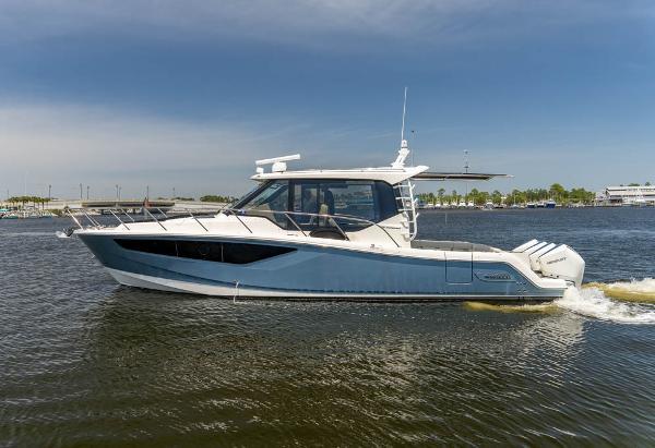 Boston Whaler 405 CQ