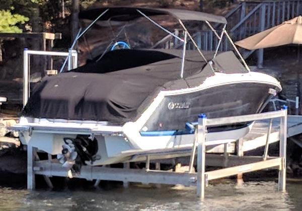 Tige Shore Master Boat Lift 7000#