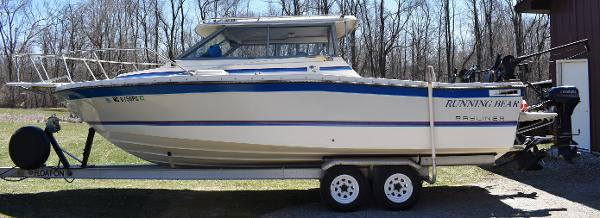 Bayliner 2460 Trophy