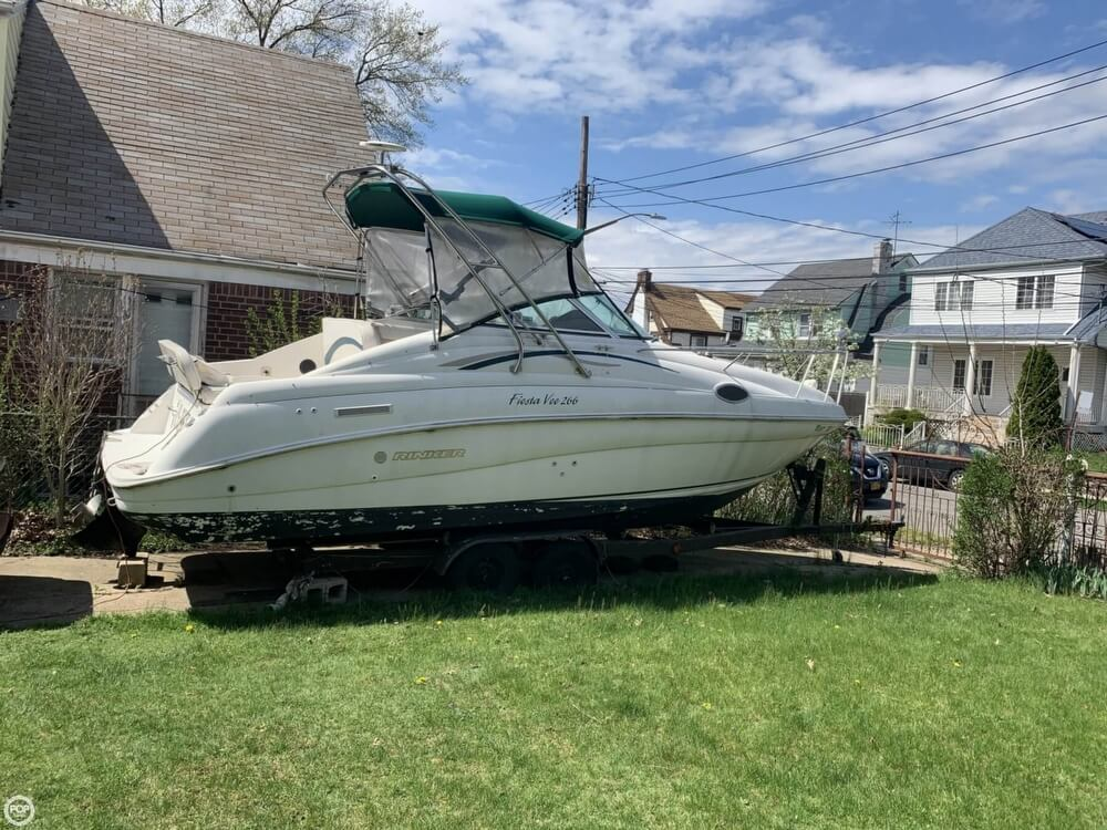 Rinker Fiesta Vee 266 1997 Rinker FIESTA VEE 266 for sale in Queens Village, NY