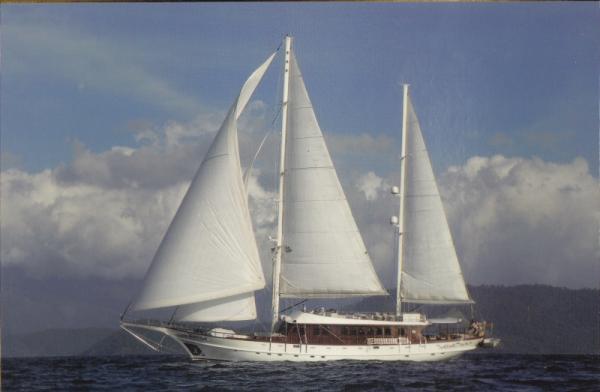 Silyon Yachts Classic Motor Sailer Exterior