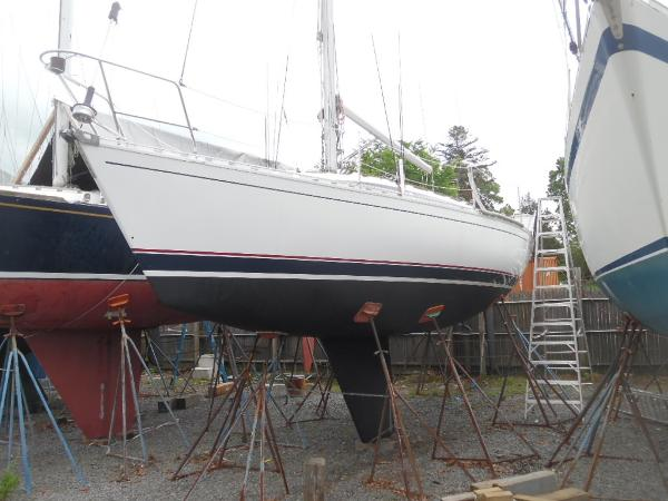 Beneteau First 345 Port Bow