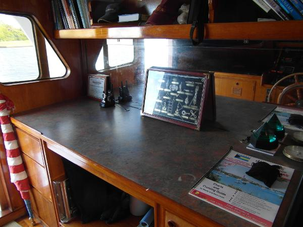 Pilothouse / Navigation Table