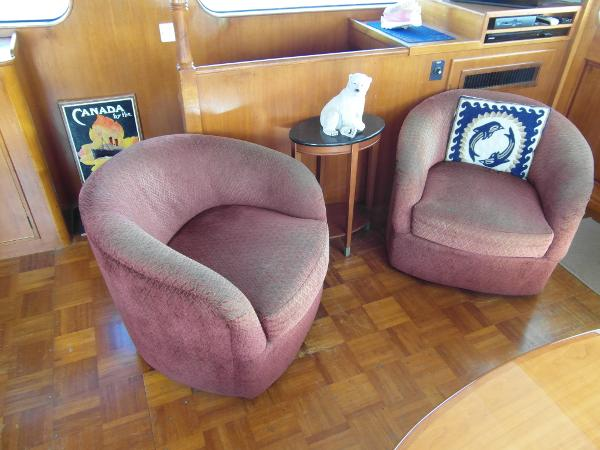 Starboard Saloon Seating