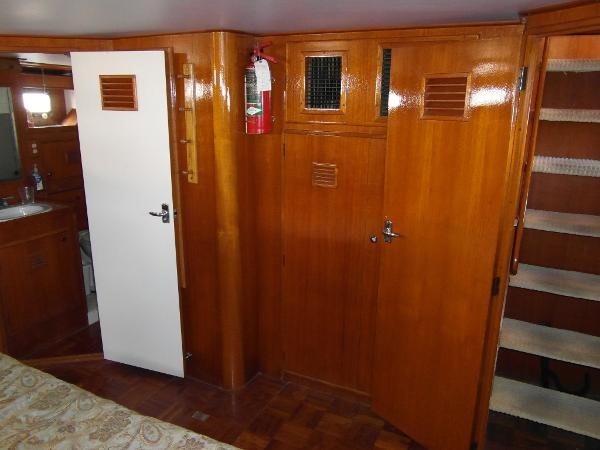 Master Stateroom Facing Forward