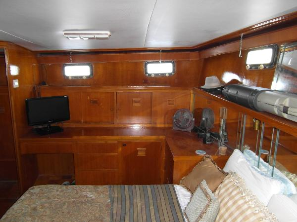 Master Stateroom Facing to Starboard