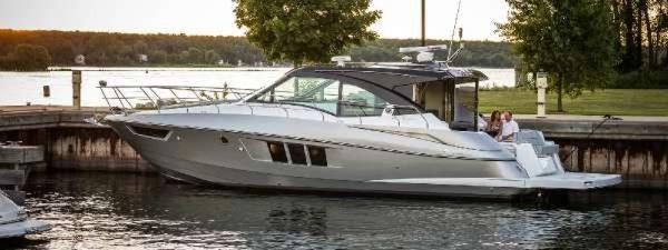 Cruisers Yachts 45 Cantius