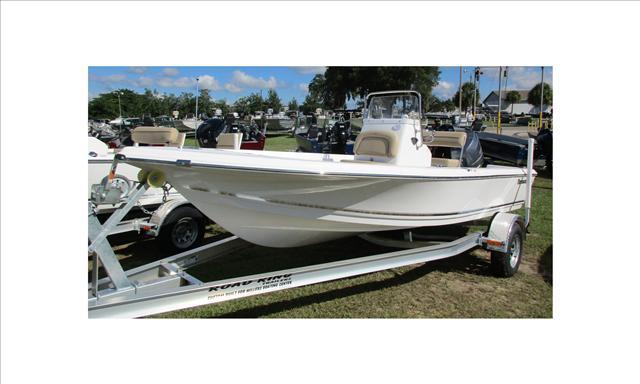 Tidewater Boats 1800 Bay Max