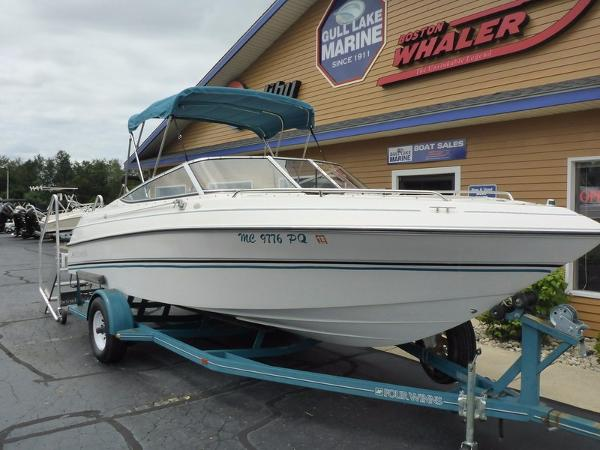 Four Winns 210 Horizon BR