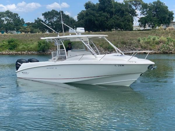 Boston Whaler 320 Outrage Starboard Profile