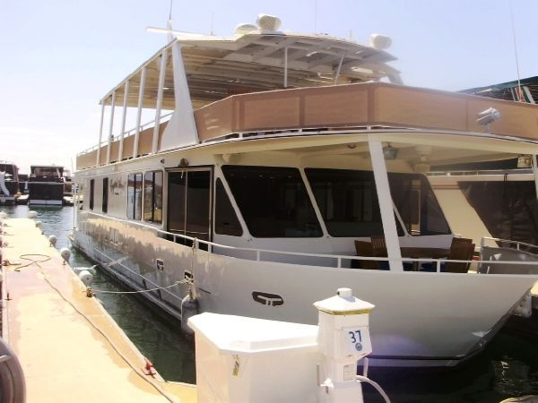 Skipperliner Custom Houseboat