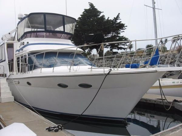 Hyundai Aft Cabin Motor Yacht