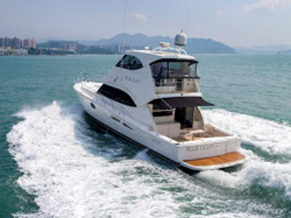 Riviera 56 Flybridge Enclosed