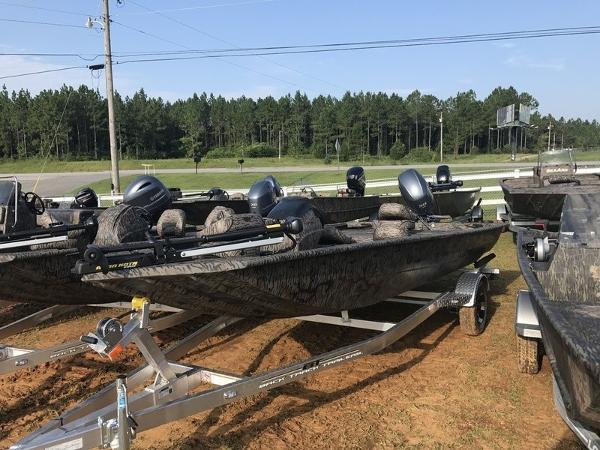 Xpress Boats XP170