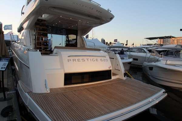 Prestige 620 Flybridge