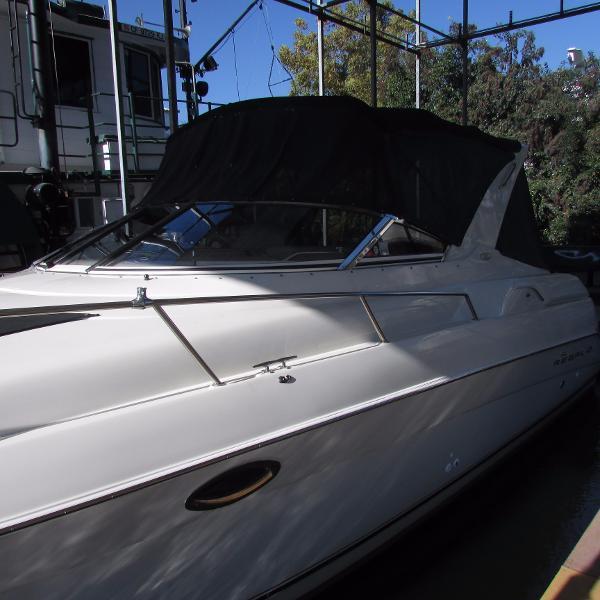 Regal 3260 Commodore