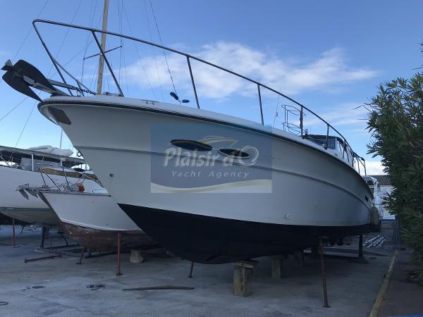 Sea Ray 390 Express Cruiser SEA RAY 390 EXPRESS CRUISER