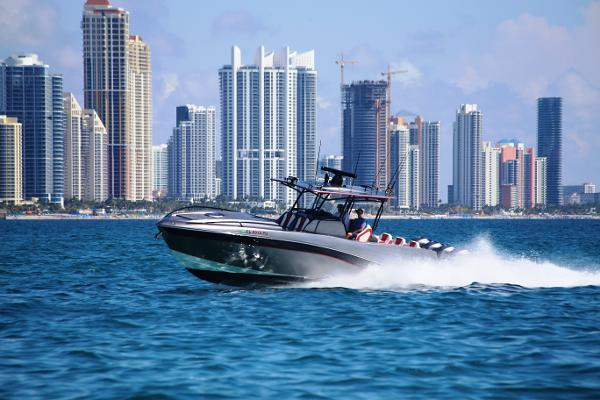 DEEP IMPACT 39' Four Engines Mercury Mercury Verado 300 Hp