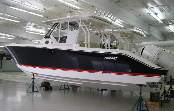 Pursuit S 368 Sport