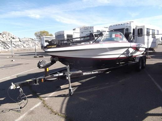 Triton Fish & Ski SF-211