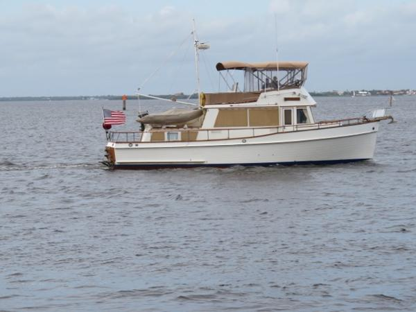 Grand Banks 2 Stateroom 42 Classic 42' Grand Banks starboard profile