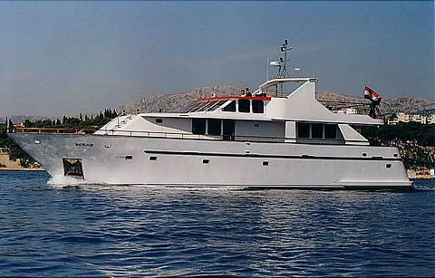 Custom Raised Pilothouse Photo 5