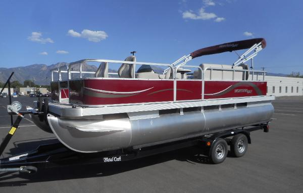 Montego Bay F8520 4 PT Pontoon